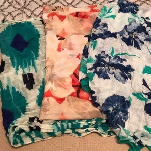 Accessories - LOT OF 3 floral scarves!